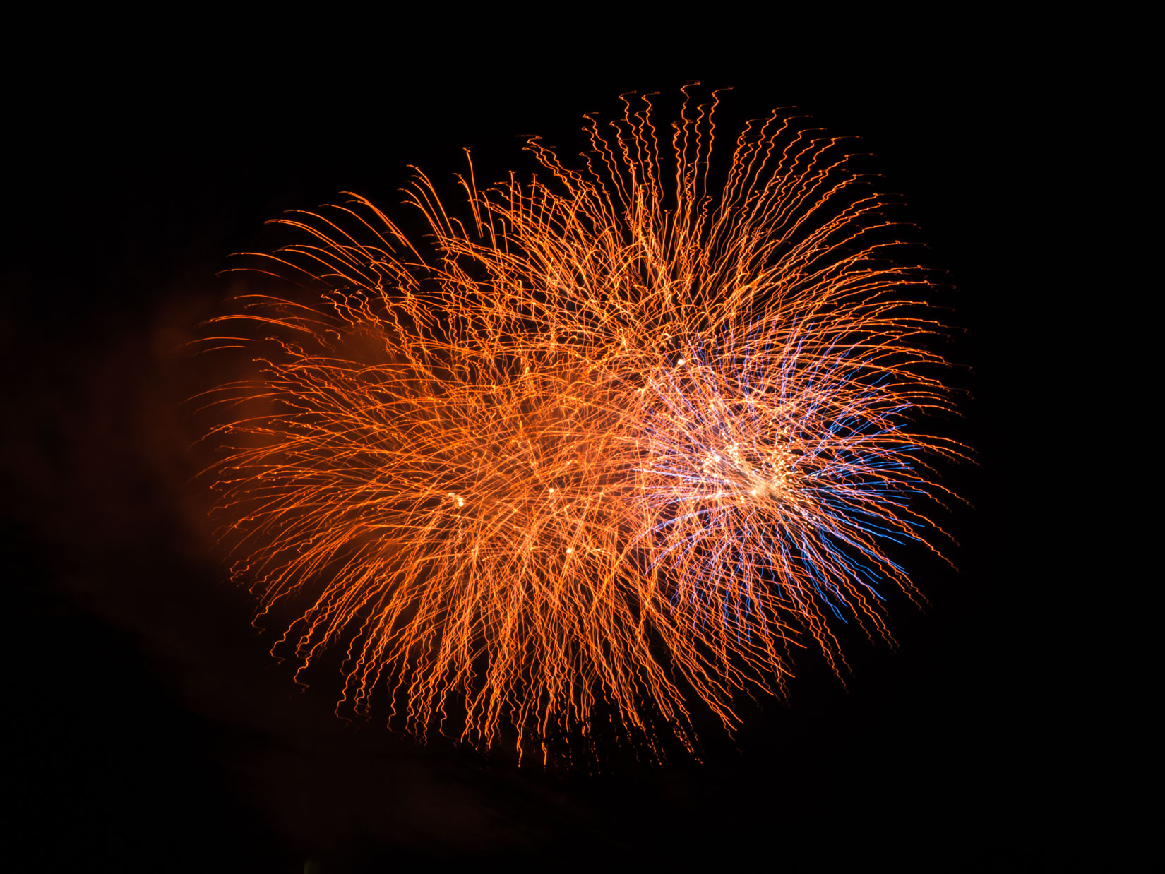 Red and Blue Fireworks – MMT